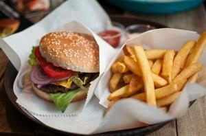 burger-crave-food-french-fries-nom-omg-Favim.com-42714
